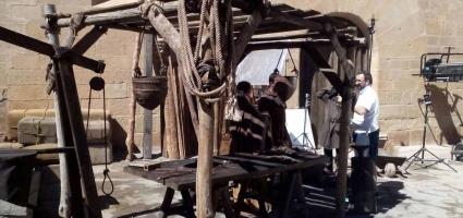 """Medieval wooden setting. Netflix  """"La catedral del mar"""""""