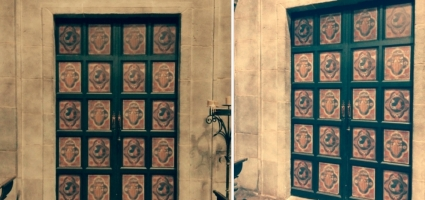 "Decorated door panels. Netflix ""La catedral del mar"""